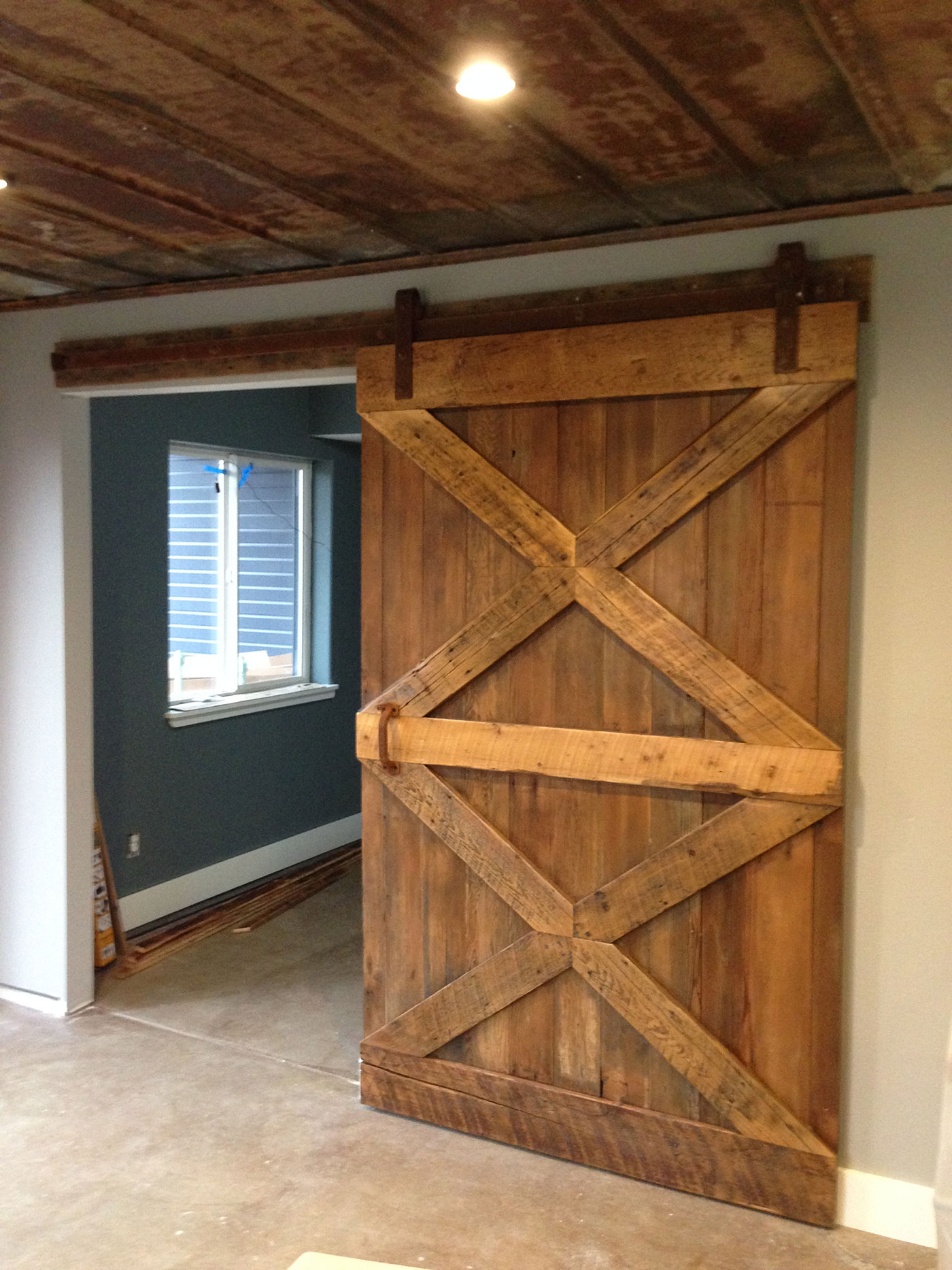 sliding-barn-door with x